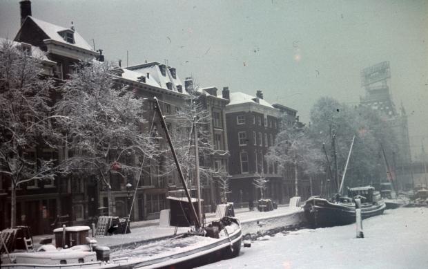 Scheepmakershaven Rotterdam jaren dertig Witte Huis winter Richard Boske go with the vlo