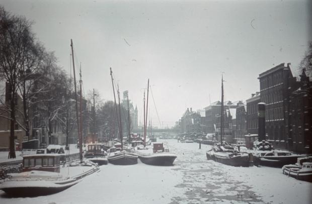 Scheepmakershaven Witte Huis Rotterdam sneeuw Richard Boske go with the vlo
